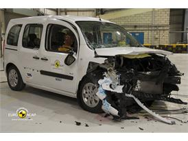 Mercedes Benz Citan - Frontal crash test 2013 - after crash