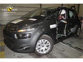 Citroën C4 Picasso - Side crash test 2013 - after crash