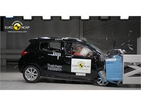 Mitsubishi Space Star/Mirage- Frontal crash test 2013
