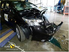 Nissan Note - Frontal crash test 2013 - after crash