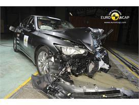 Infiniti Q50 - Frontal crash test 2013 - after crash