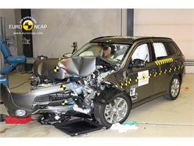 Mitsubishi Outlander PHEV - Frontal crash test 2013 - after crash