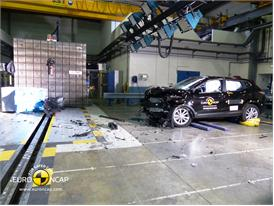 Nissan Qashqai - Frontal crash test 2014 - after crash