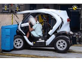 Renault Twizy 80  - Frontal crash test 2014