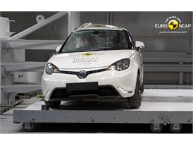 MG3 - Pole crash test 2014