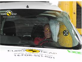 Ford Tourneo Courier - Pole crash test 2014
