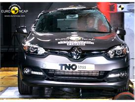 Renault Megane Hatch - Pole crash test 2014