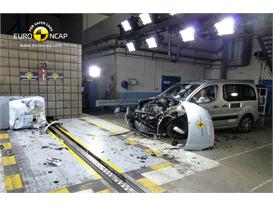 Citroën Berlingo - Frontal crash test 2014 - after crash
