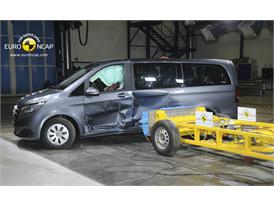 Mercedes-Benz V-Class  - Side crash test 2014 - After Crash