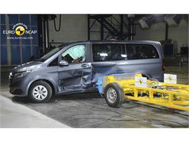 Mercedes-Benz V-Class  - Side crash test 2014 - After Crash