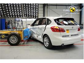 BMW 2 Series Active Tourer  - Side crash test 2014