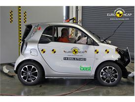 smart fortwo - Frontal crash test 2014 - after crash