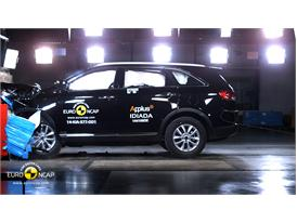 Kia Sorento  - Frontal crash test 2014