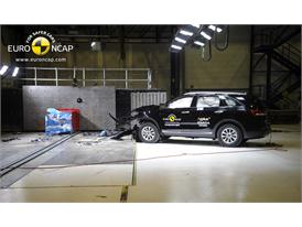 Kia Sorento - Frontal crash test 2014 - after crash