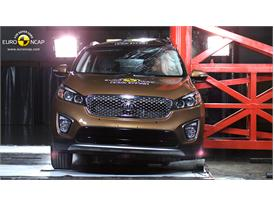 Kia Sorento - Pole crash test 2014