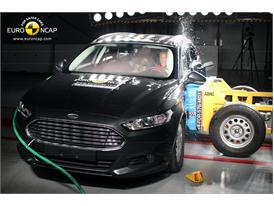 Ford Mondeo  - Side crash test 2014