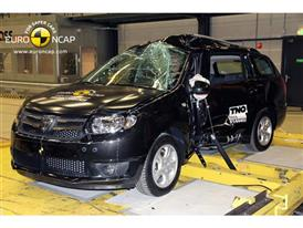 Dacia Logan MCV  - Pole crash test 2014 - after crash