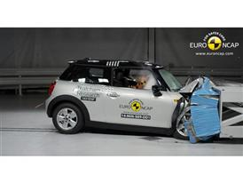 MINI Cooper  - Frontal crash test 2014