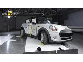 MINI Cooper  - Pole crash test 2014 - after crash