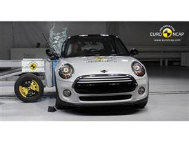MINI Cooper  - Side crash test 2014