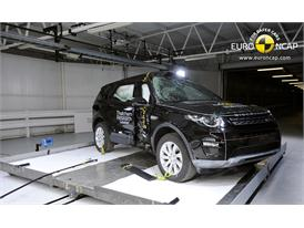 Land Rover Discovery Sport  - Pole crash test 2014 - after crash