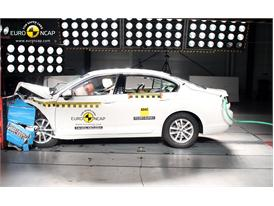 Volkswagen Passat  - Frontal crash test 2014