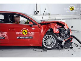 Audi A3 Sportback e-tron - Frontal crash test 2014 - after crash
