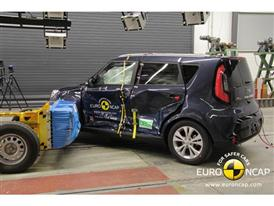 Kia Soul  - Side crash test 2014