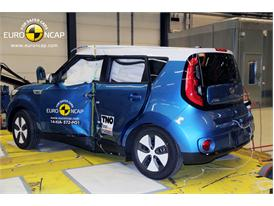 Kia Soul EV - Pole crash test 2014