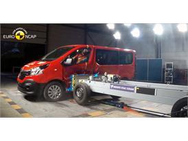 Renault Trafic  - Side crash test 2015