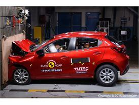 Mazda 2 - Frontal Full Width test 2015
