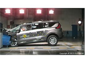 Renault Espace - Frontal Offset Impact test 2015