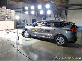 Renault Espace - Frontal Full Width test 2015