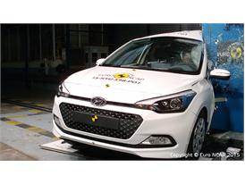 Hyundai i20  - Pole crash test 2015