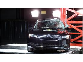 Skoda Superb  - Pole crash test 2015