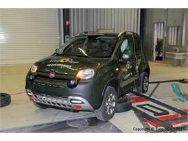 FIAT Panda Cross  - Side crash test 2015