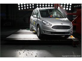 Ford Galaxy  - Pole crash test 2015 - after crash