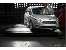 Ford Galaxy  - Pole crash test 2015 - after crash