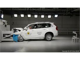Volvo XC90  - Frontal Offset Impact test 2015
