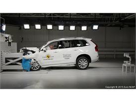 Volvo XC90  - Frontal Offset Impact test 2015