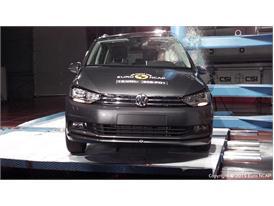 VW Touran  - Pole crash test 2015 - after crash
