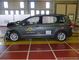 VW Touran - Frontal Full Width test 2015 - after crash