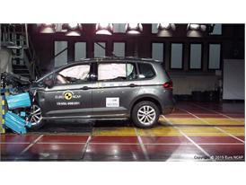 VW Touran  - Frontal Offset Impact test 2015