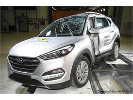 Hyundai Tucson  - Pole crash test 2015 - after crash