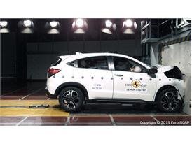 Honda HR-V - Frontal Full Width test 2015
