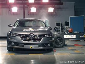 Renault Talisman  - Side crash test 2015