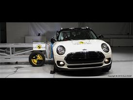 MINI Clubman-Side crash test 2015