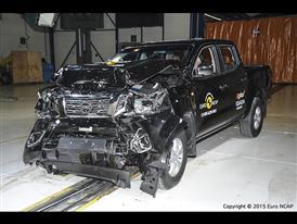 Nissan NP300 Navara- Frontal Full Width test 2015 - after crash