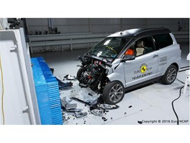 Aixam Crossover GTR Frontal crash test 2016 - after crash