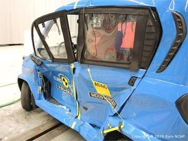 Bajaj Qute Side crash test 2016 - after crash